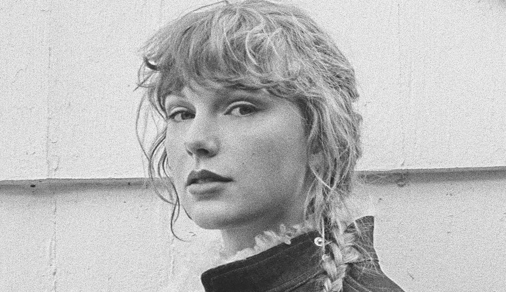Taylor Swift's 'Evermore' Sells a Million Worldwide in First Week