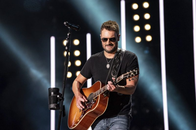 NASHVILLE, TENNESSEE - JUNE 07: Eric Church performs on stage during day 2 of 2019 CMA Music Festival on June 07, 2019 in Nashville, Tennessee. Photo: Andrew Wendowski for imageSPACE/MediaPunch /IPX