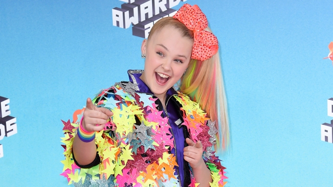 JoJo Siwa arrives at the Nickelodeon
