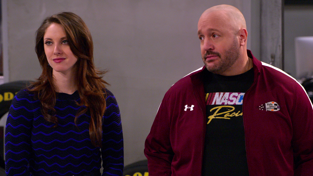 Kevin James' 'The Crew' Rehashes Lazy, Sexist Sitcom Clichés: TV Review - Variety