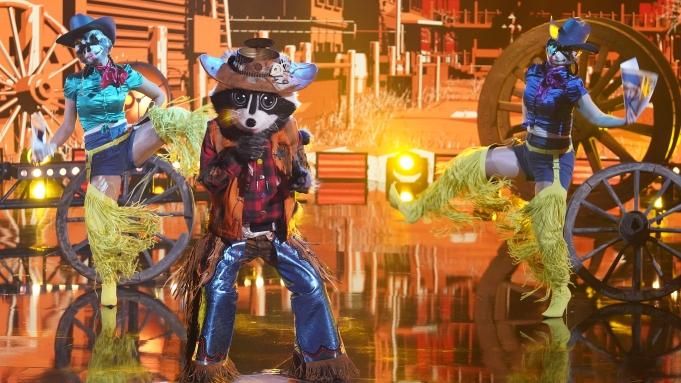 THE MASKED SINGER: Raccoon in the