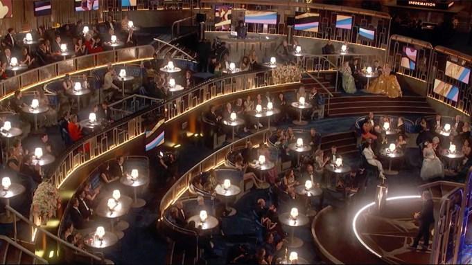 Oscars Atmosphere Inside