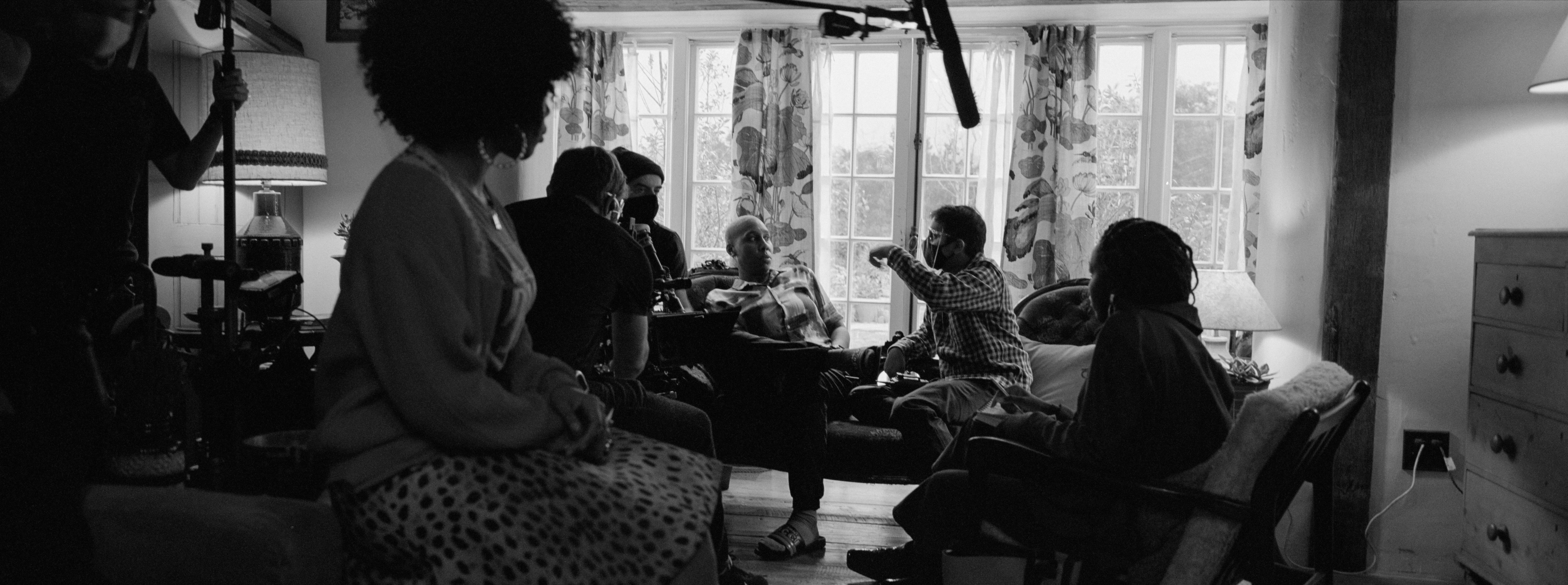 MASTER OF NONE S3 (L to R) LENA WAITHE as DENISE and Director AZIZ ANSARI of MASTER OF NONE Cr. PAUL SALLENT/NETFLIX © 2021