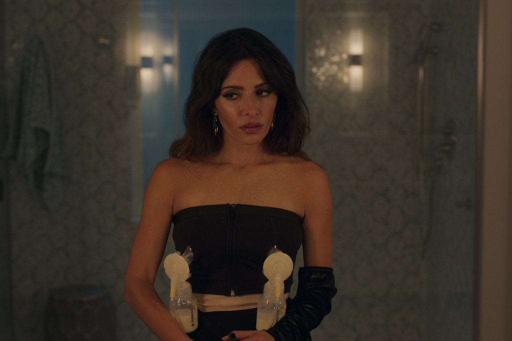 SEX/LIFE (L to R) SARAH SHAHI as BILLIE CONNELLY in episode 102 of SEX/LIFE Cr. COURTESY OF NETFLIX © 2021