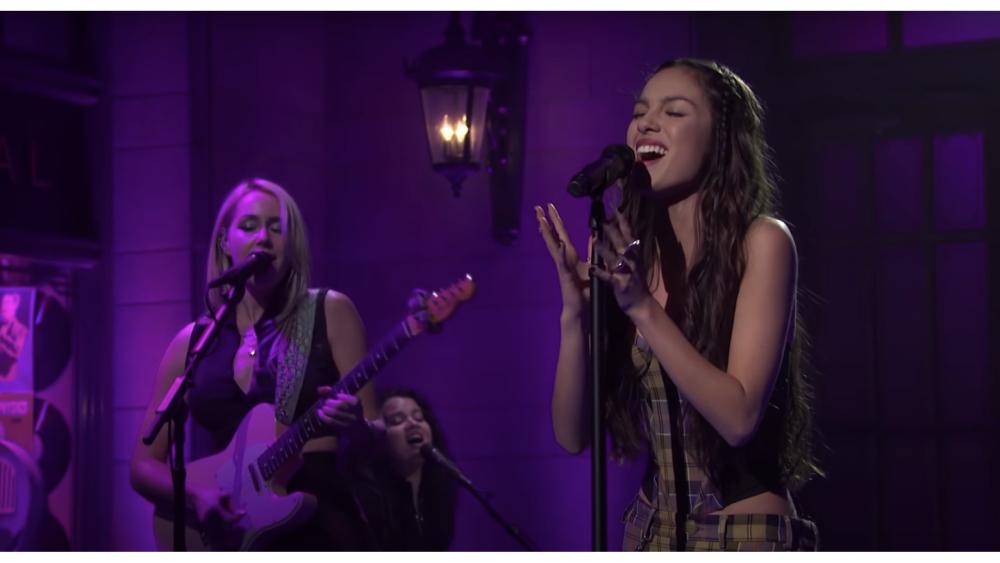 Watch Olivia Rodrigo Crush 'Drivers License' and 'Good 4 U' on 'Saturday Night Live'