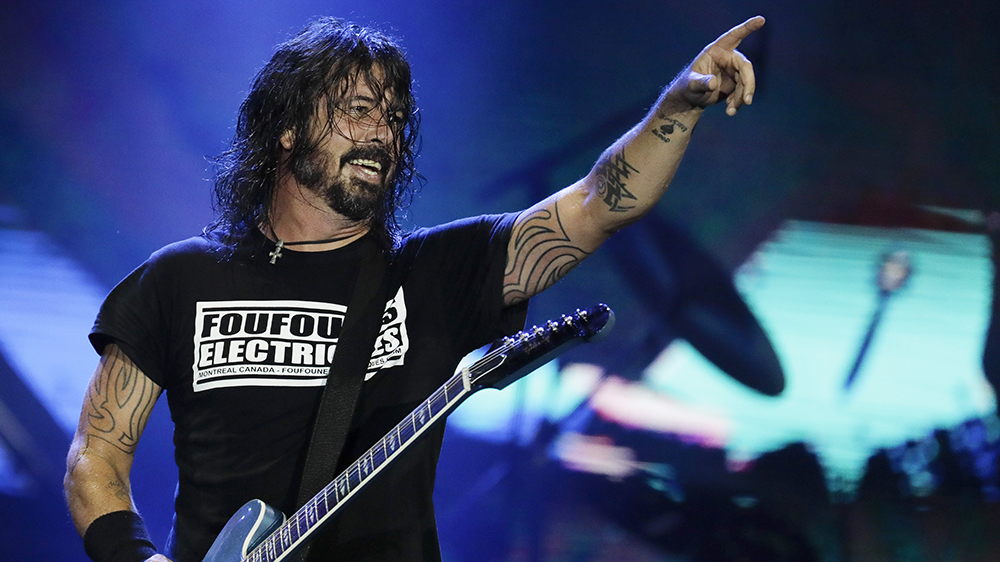 Anti-Vaccine Protesters Picket Outside Foo Fighters' First Full Capacity Show Since Pandemic