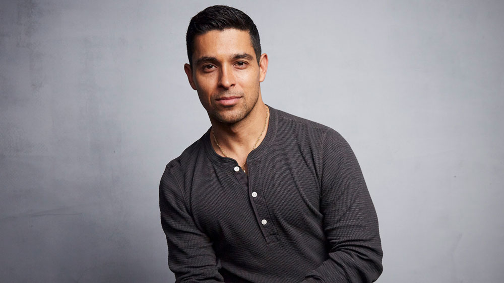 Regarder la vidéo Wilmer Valderrama Says Father's Battle With COVID Inspired New Podcast About Essential and Frontline Workers