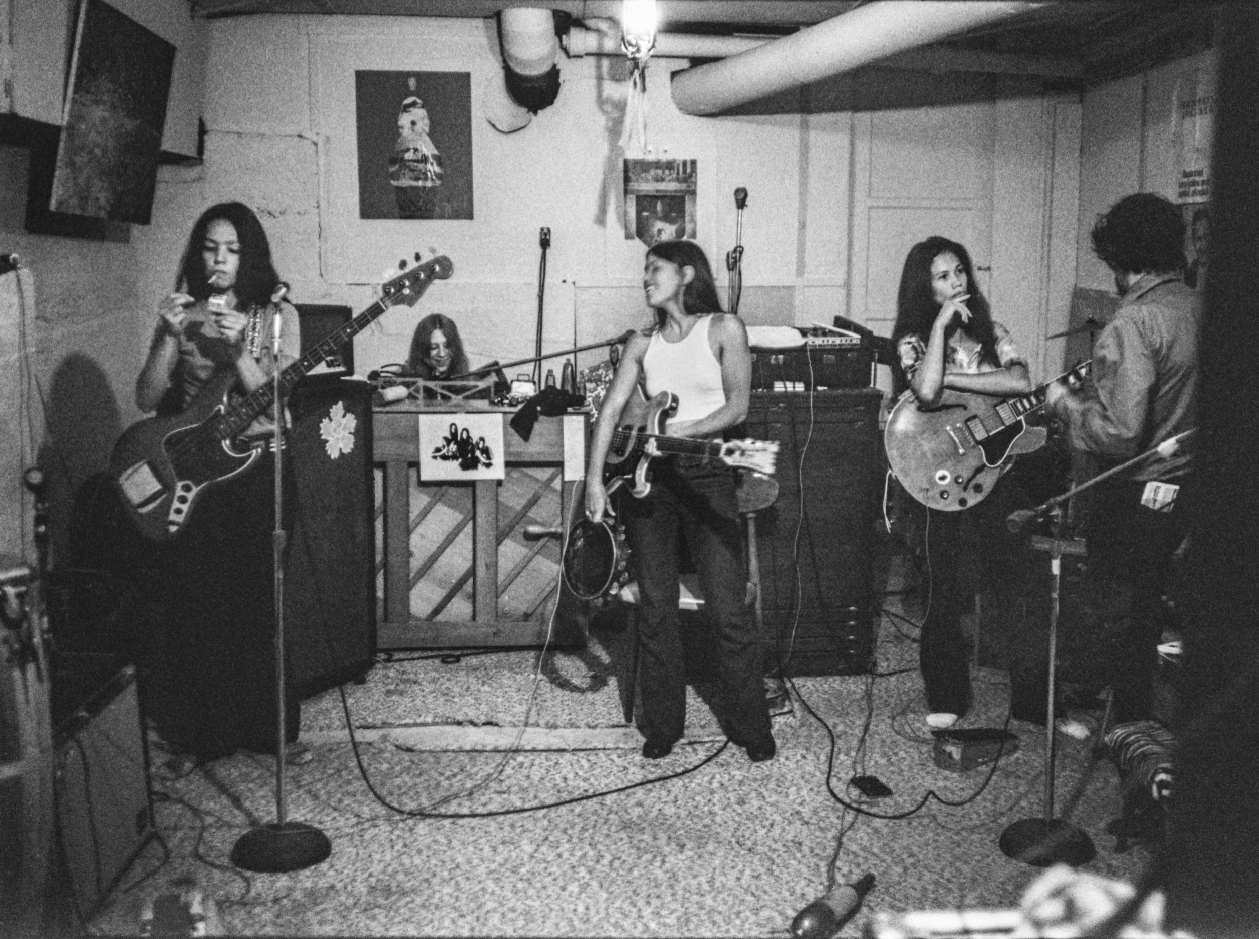 rock group all female women band