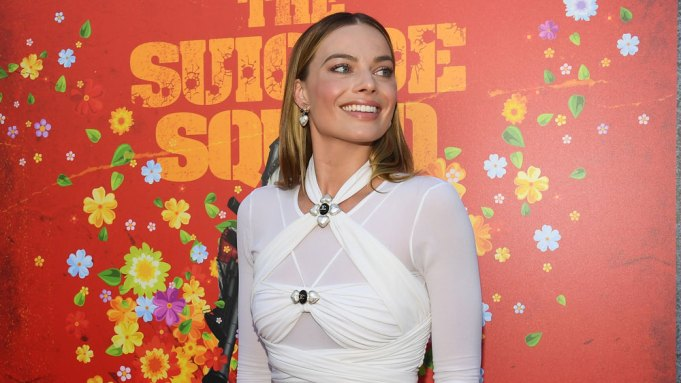 Margot Robbies attend the premiere of