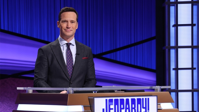 Mike Richards' First Episode as 'Jeopardy!' Host Makes No Mention of Scandal (Column).jpg