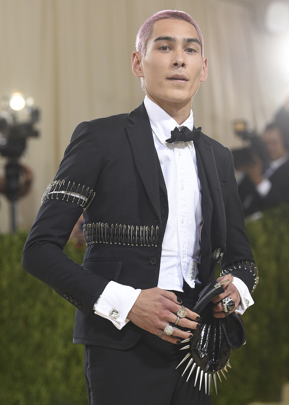 """Evan Mock attends The Metropolitan Museum of Art's Costume Institute benefit gala celebrating the opening of the """"In America: A Lexicon of Fashion"""" exhibition on Monday, Sept. 13, 2021, in New York. (Photo by Evan Agostini/Invision/AP)"""