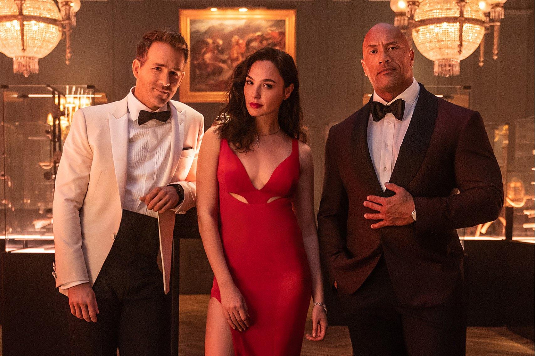 Red Notice' Trailer: Dwayne Johnson, Ryan Reynolds and Gal Gadot Star -  Variety