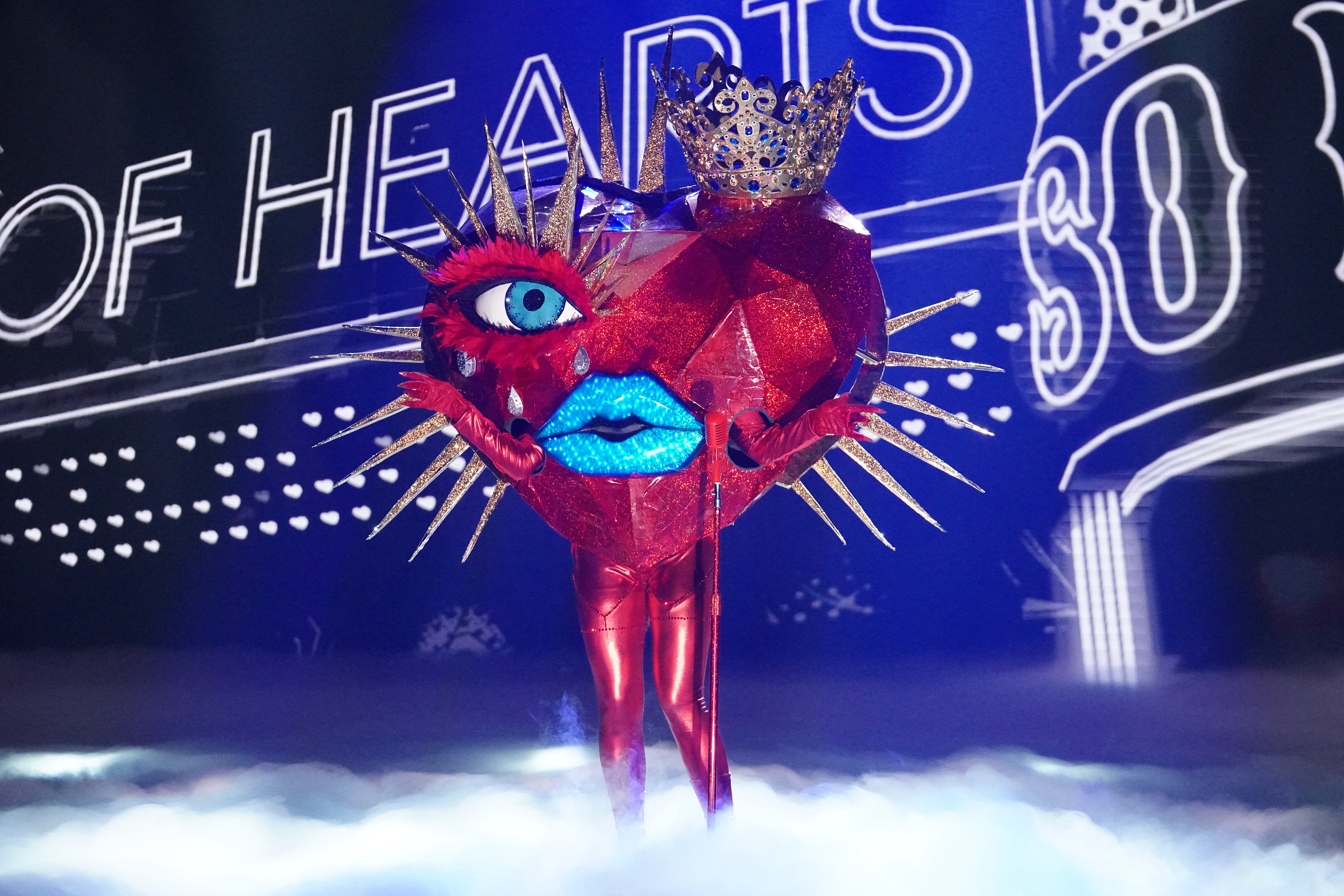 THE MASKED SINGER: Queen Of Hearts in THE MASKED SINGER airing Wednesday, Oct. 13 (8:00-9:00 PM ET/PT) on FOX. © 2021 FOX MEDIA LLC. CR: FOX.