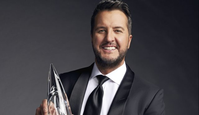 Luke Bryan Tapped to Host 2021 CMA Awards.jpg
